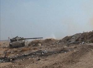 სირიის არმიის შეტევა ბოევიკებზე დამასკის გარეუბანში. ბრძოლის კადრები