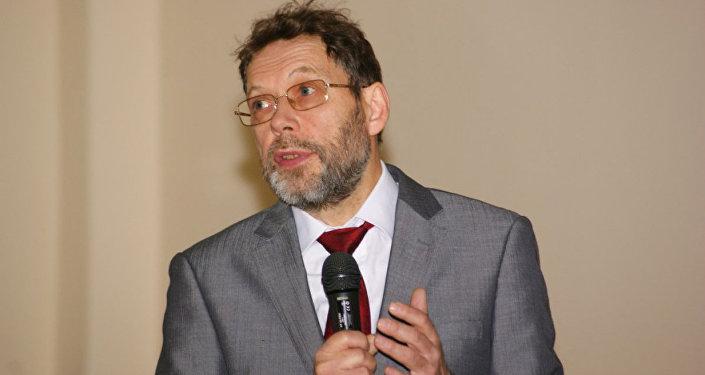 Профессор Андрей Демин