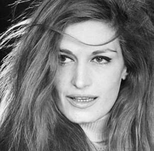 Певица Далида, Париж, 1967