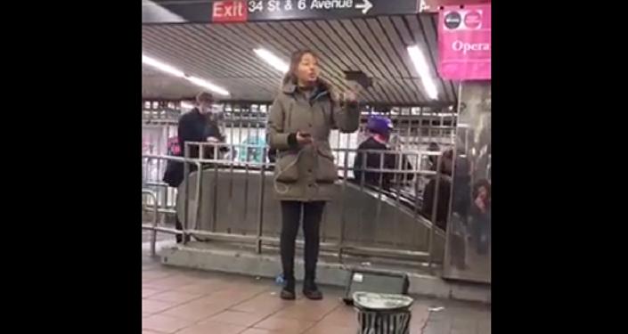Саломе Катамадзе спела в метро Нью-Йорка