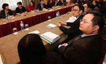 Переговоры между делегациями Грузии и Гонконга