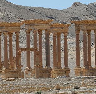 Тетрапилон в исторической части Пальмиры