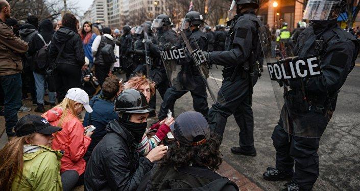 Женский марш против Трампа прошел вТбилиси
