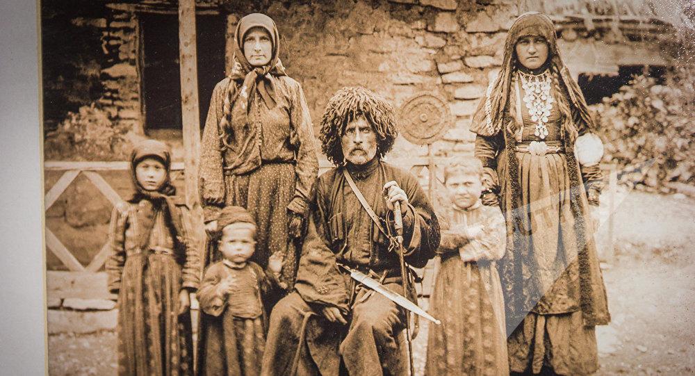 Важа-Пшавела, Тамар Дидебашвили, Гулкан, Вахтанг, Мариам и Тамар Разикашвили, Чарга, 1907 год