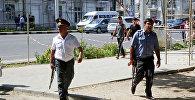 Милиционеры на улицах Душанбе