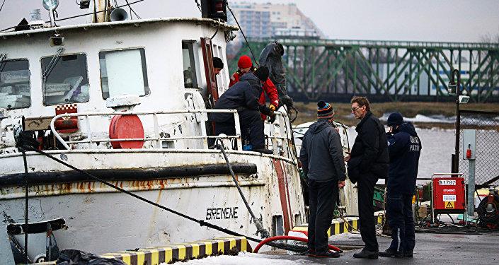 Портовая полиция выясняет причины случившегося
