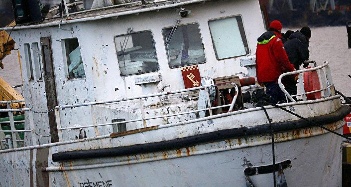 Кораблик Bremene, потерпевший аварию