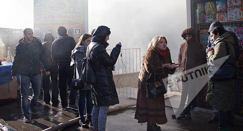 Торговцы изсгоревшего вТбилиси «Детского мира» голодают