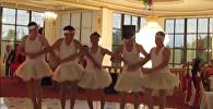"""პედიატრები ცეკვავენ ბალეტს """"გედების ტბა"""""""