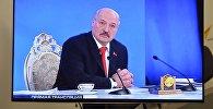 Президент Беларуси Александр Лукашенко отвечает на вопросы журналистов