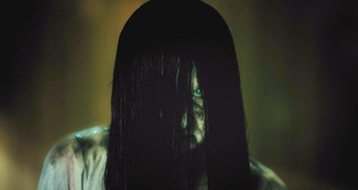 Бони Морган в роли Самары в фильме Звонки. Кадр компании Paramount Pictures