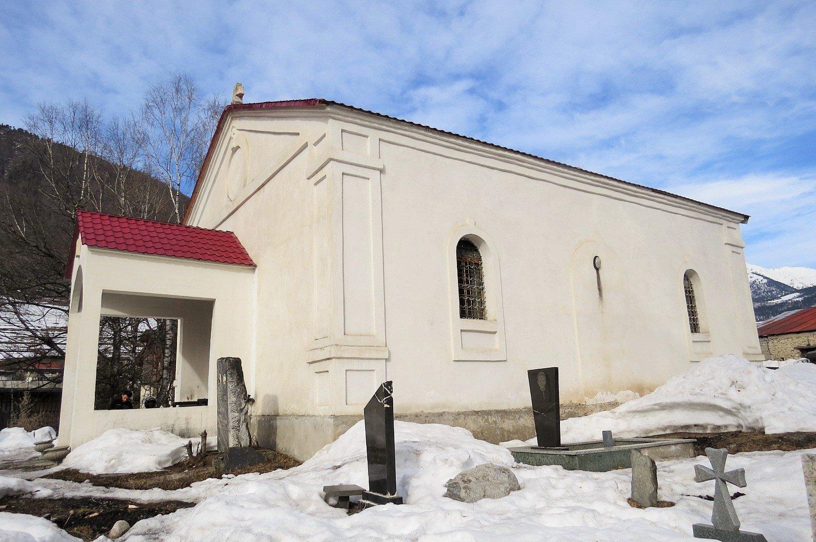 Церковь Святого Георгия в Местии