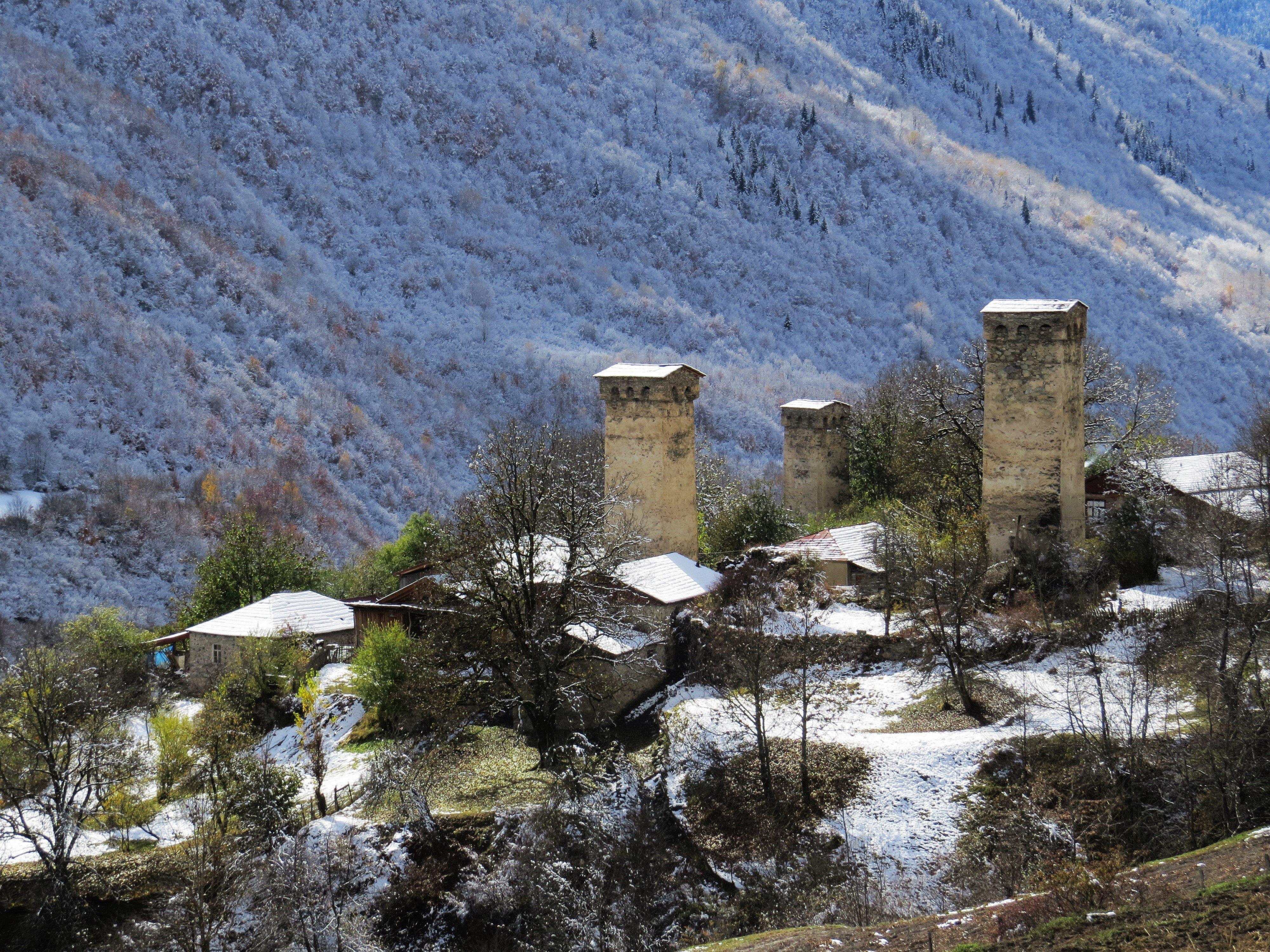 Сванети, село Ленджери зимой