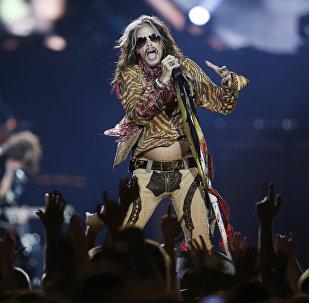 Солист группы Aerosmith Стив Тайлер на концерте в Вильнюсе в рамках мирового турне