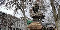Памятник Александру Пушкину в Тбилиси