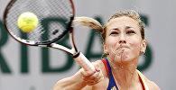 Грузинская теннесистка София Шапатава во время матча со Светланой Кузнецовой в Париже