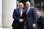 Министры иностранных дел Грузии и Азербайджана Михаил Джанелидзе и Эльмар Мамедьяров на встрече в Баку