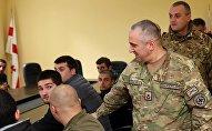 Глава Генштаба ВС Грузии Владимир Чачибая встретился с призывниками