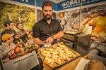 Эстонцам показали, как готовится аджарский хачапури
