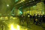 Полиция применила газ против демонстрантов в Париже