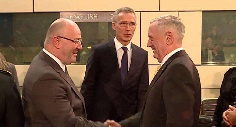 ВБрюсселе— встреча министров обороны НАТО, впервый раз участвует Мэттис
