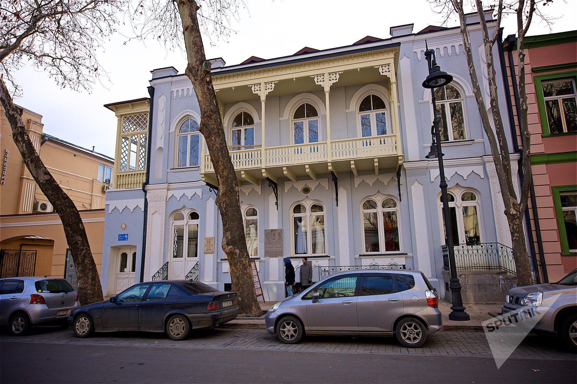 Так сегодня выглядит дом в историческом центре Тбилиси, где жил Лев Толстой