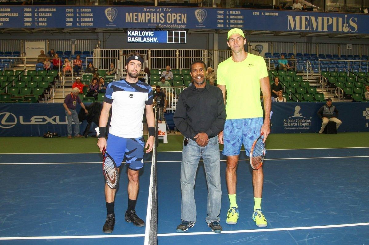 Теннис. Николоз Басилашвили и Иво Карлович перед матчем на турнире в Мемфисе