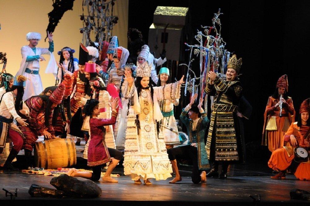 Певица Амалия Гогешвили в опере Демон