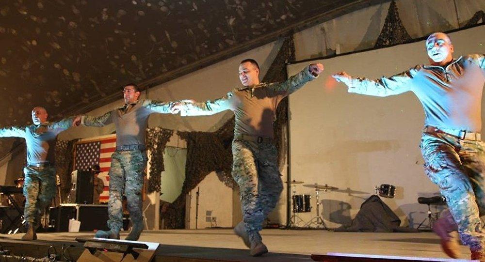 Грузинские военные исполнили национальные танцы в Афганистане