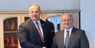 Министры обороны Латвии и Грузии Раймондс Бергманис и Леван Изория