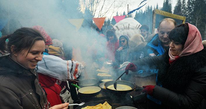 Масленичные гуляния и проводы зимы на знаменитой Бакшевской Маслянице
