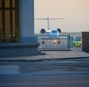 ასობით მართლმადიდებელი დახვდა ილია მეორეს თბილისის აეროპორტში GEO VER