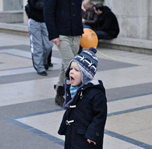 ბავშვი ქუჩაში, მარტო