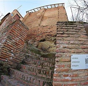 Древний зороастрийский храм Атешга
