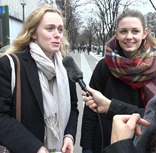 Парижан опросили о названии станции метро Сталинград в их городе