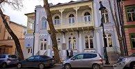 ასე გამოიყურება დღეს ლევ ტოლსტოის სახლი თბილისის ისტორიულ ცენტრში