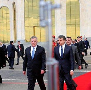 Премьер Грузии Георгий Квирикашвили проводил своего армянского коллегу Карена Карапетяна