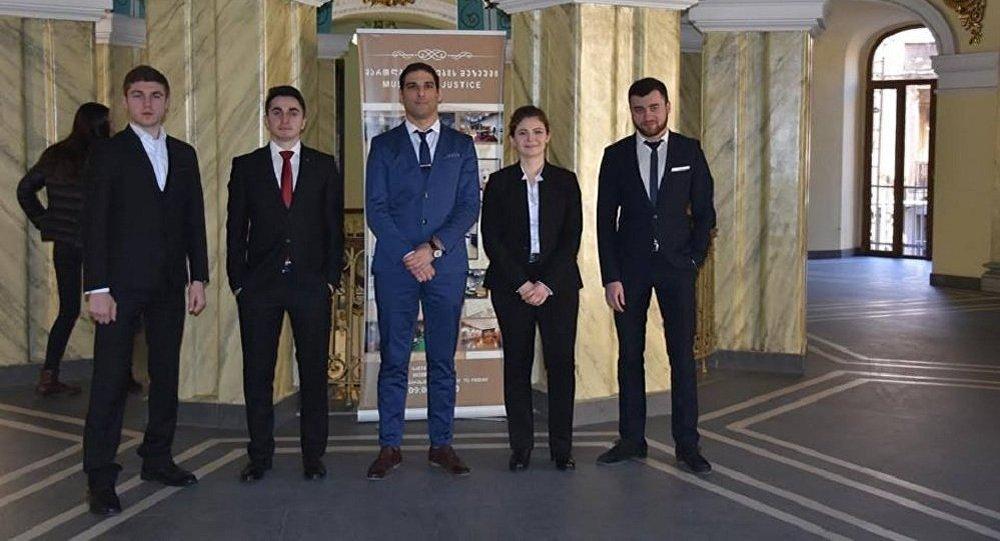 Грузинские студенты поедут в Гаагу