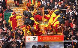 Традиционная апельсиновая битва в Италии