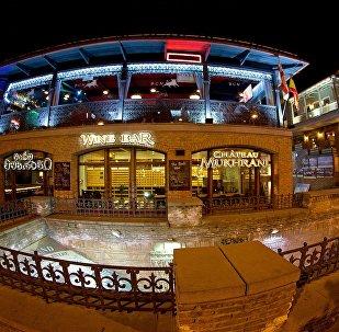 Кафе и рестораны грузинской кухни в историческом центре Тбилиси