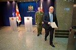 Министр обороны Грузии Леван Изория и глава Военного комитета НАТО Петер Павел