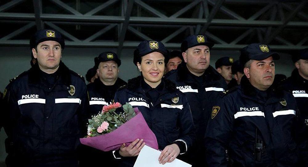 Женщин-полицейских в Грузии поздравили с 8 марта