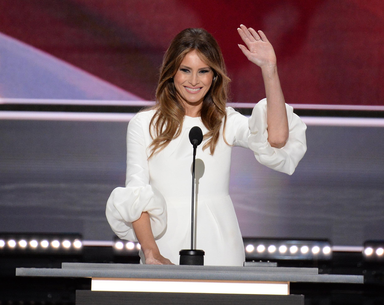 Мелания Трамп выступает во время предвыборной кампании президента США Дональда Трампа в Кливленде
