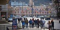 Площадь Свободы и здание городского совета Сакребуло в Тбилиси