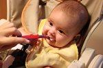პატარა ბავშვის კვების პროცესი