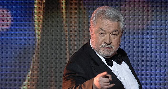 Телеведущий, актер и режиссёр Юлий Гусман