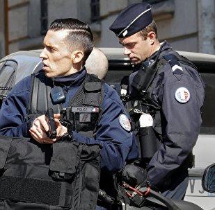 პოლიციელები პარიზში