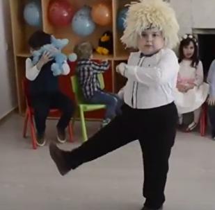 Юный танцор