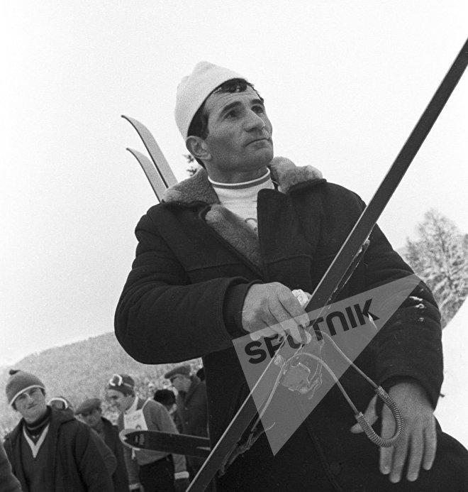 Коба Цакадзе, член сборной команды СССР по лыжным гонкам.