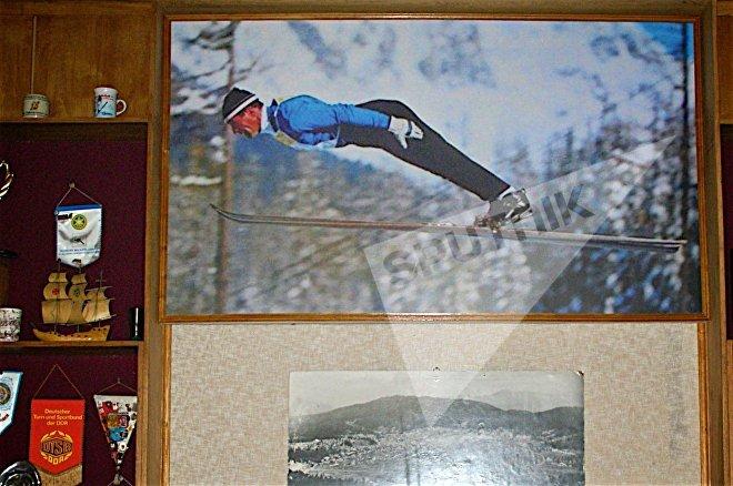 Участник двух Олимпийских Игр в соревнованиях по прыжкам с трамплина Коба Цакадзе